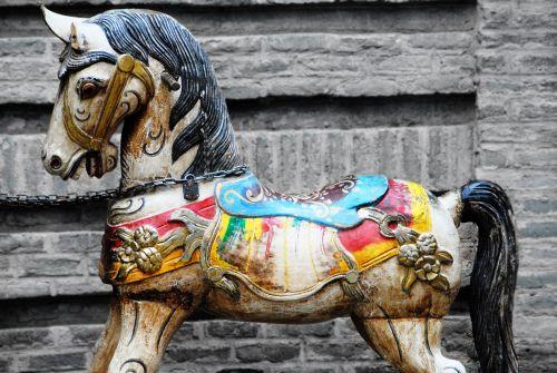 Anul Calului de Lemn – semnificaţii şi predispoziţii în 2014