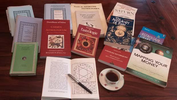 Cărți de căpătâi – ce citim ca să învățăm astrologie
