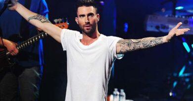 Adam Levine – Peştii scăldaţi în valurile talentului